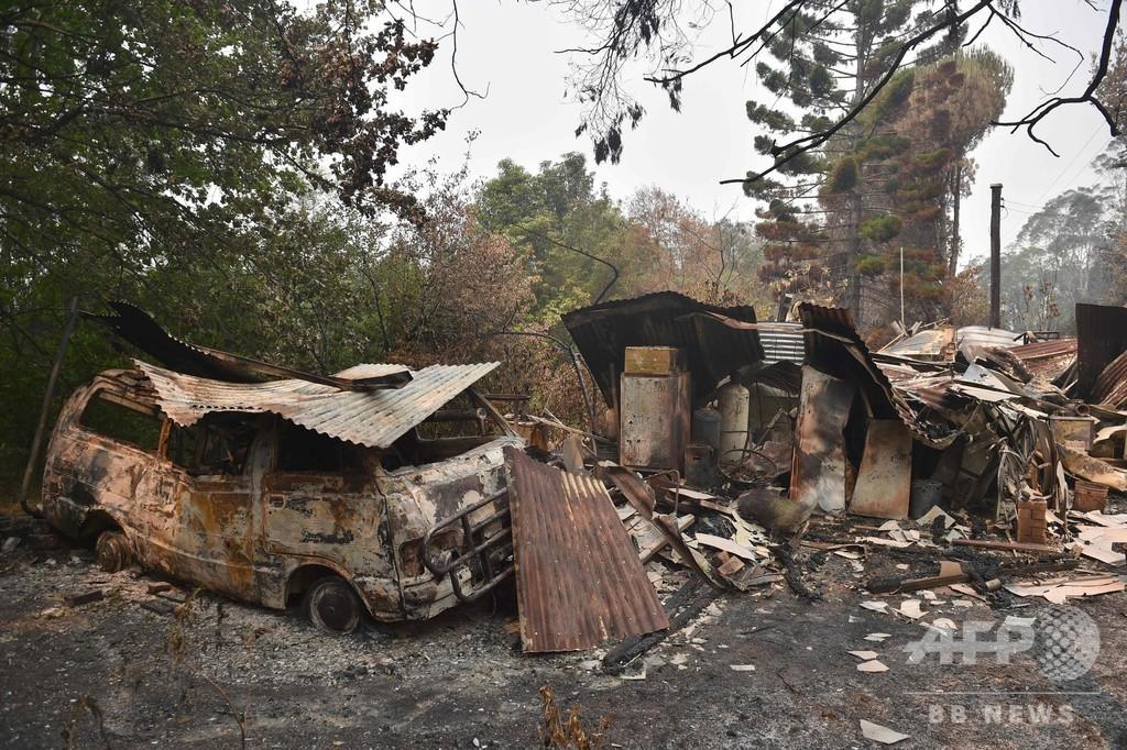豪森林火災、観光客に足止めの恐れ 新たな熱波到来