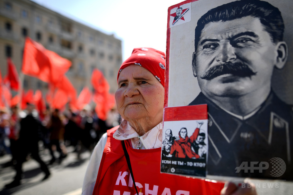 ロシア史上最も偉大な人物、スターリンがプーチン氏抑え1位に 調査