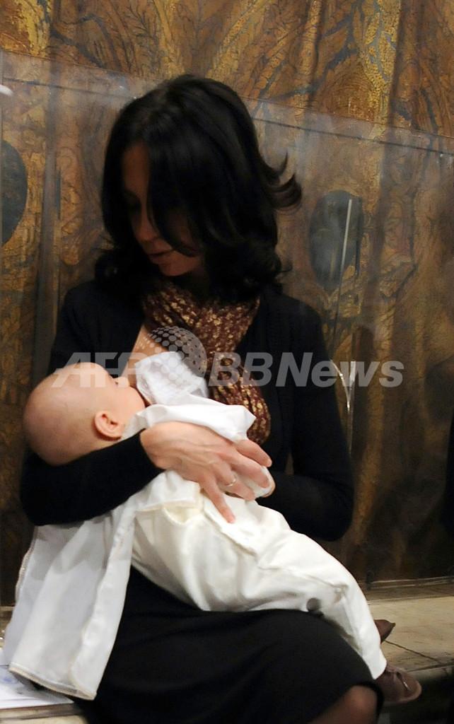 大人向け「乳母」派遣サービスに物議、母乳ブームの中国