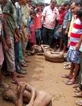 インドで7歳少女の首