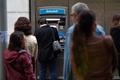 カタルーニャ独立派、銀行からの現金一斉引き出しで抗議