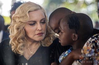 マドンナさん、戦争孤児からバレリーナになった女性の自伝を映画化