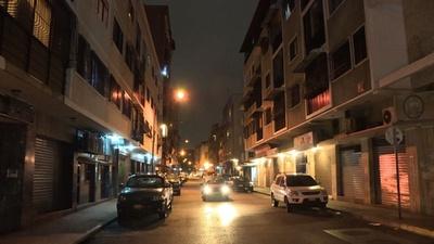 動画:ベネズエラ首都、アパートを放棄して国外脱出する住人相次ぐ