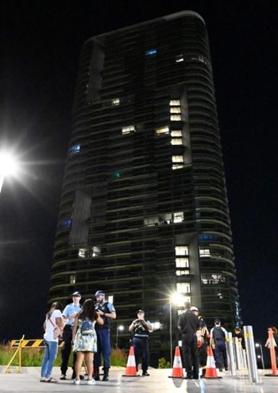 シドニーの高層住宅で「大きな亀裂音」、イブの夜に数千人避難