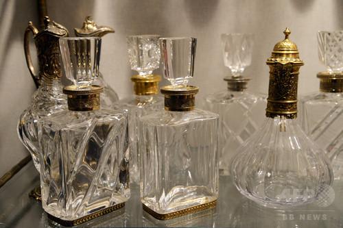 死別した愛する人の匂い、瓶に詰めて香水に フランス