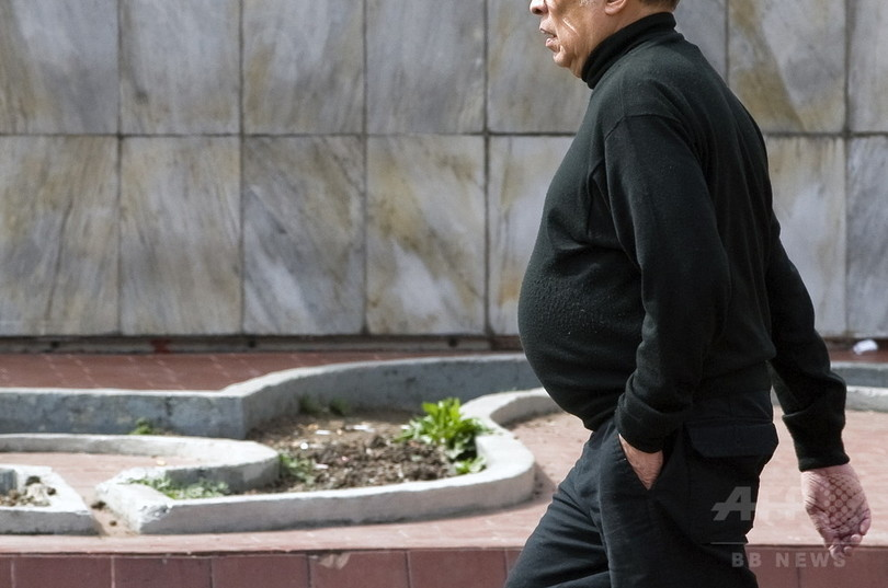 スクワット10回で地下鉄無料乗車、メキシコ市が肥満対策