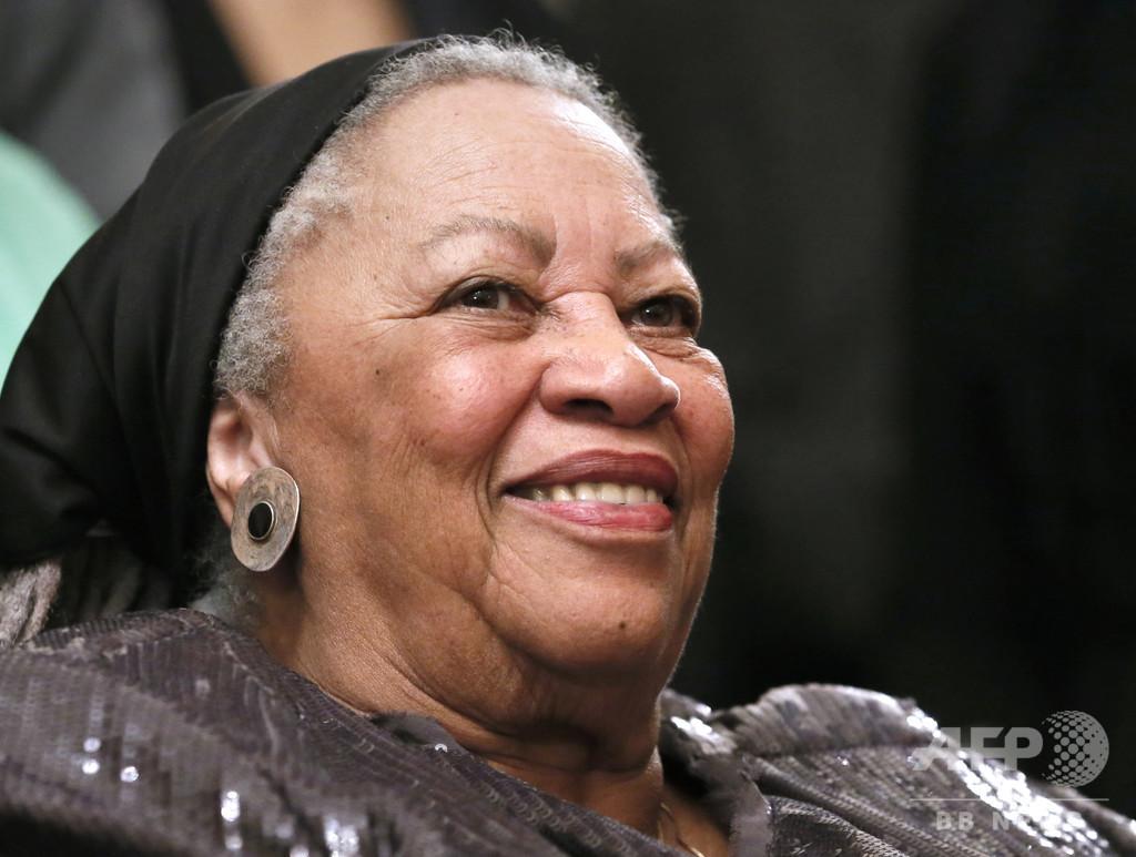 トニ・モリスン氏死去、88歳 米黒人女性初のノーベル賞作家