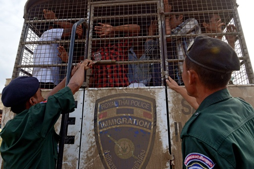 タイ・クーデターでカンボジア人18万人が出国