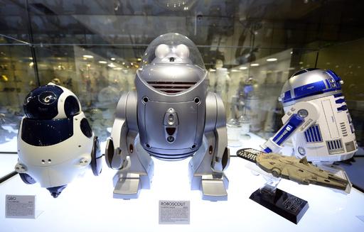 踊るドロイド、しゃべるヒューマノイド マドリードのロボット博物館