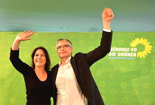 ドイツ世論調査、緑の党が支持率で初の首位に