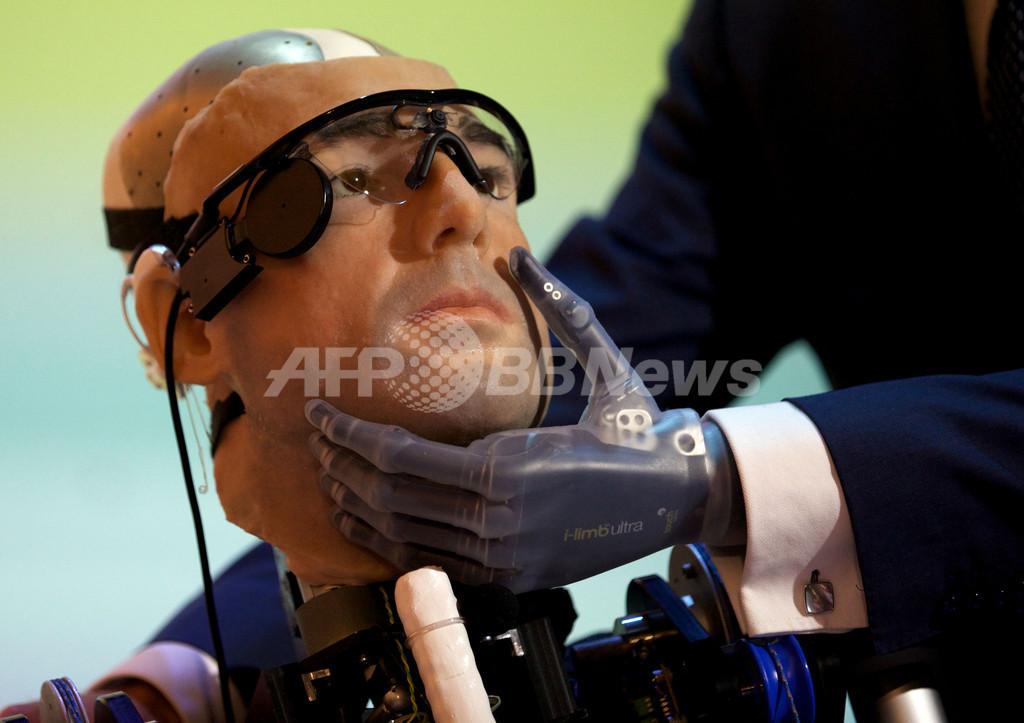 人工の臓器や血液を持つ「バイオニック人間」、英ロンドンで公開へ