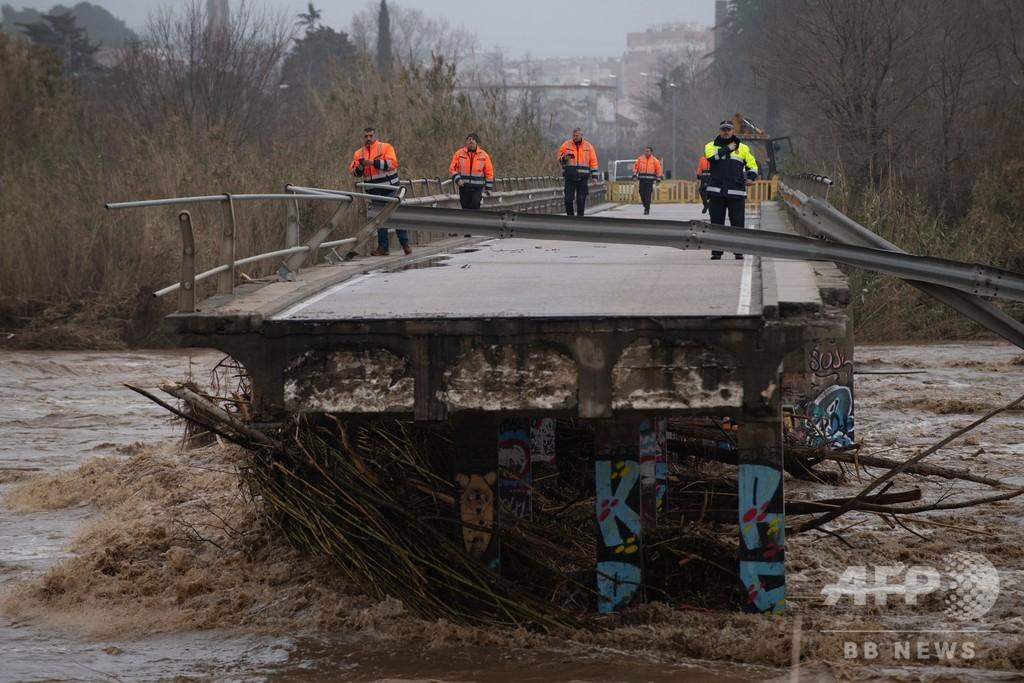スペイン沿岸部で嵐続く、7人死亡 4人不明