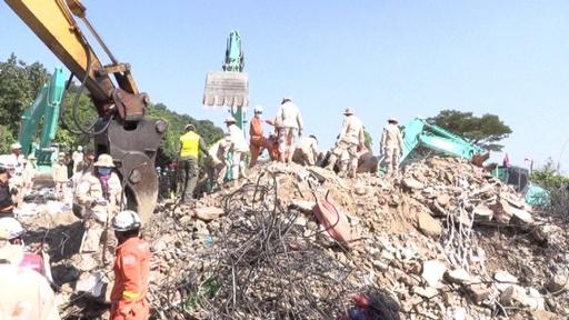 動画:カンボジアで建設中のホテル倒壊、死者36人に 現場の映像