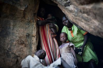 スーダン係争地に巨大な穴、南部支持者を殺害・集団埋葬か
