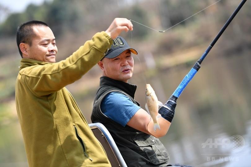 事故で両手両足失う…18年経て釣りの達人に