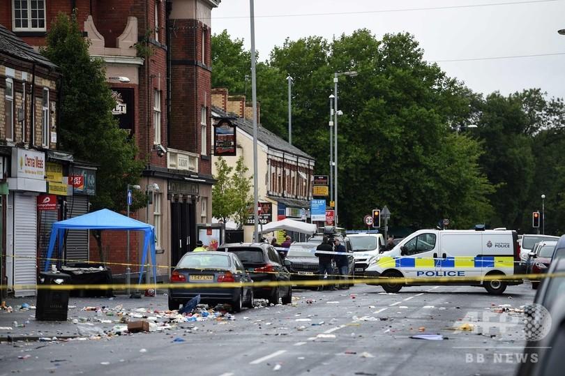 英マンチェスターで発砲、子ども含む10人負傷