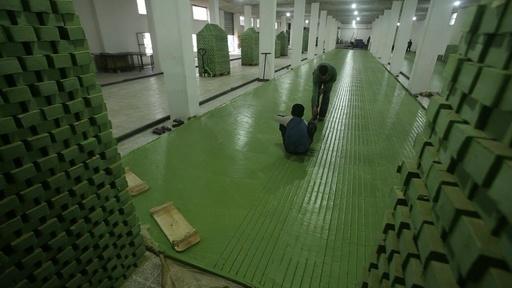 動画:がれきに漂うせっけんの香り、内戦で閉鎖の工房が再開 アレッポ