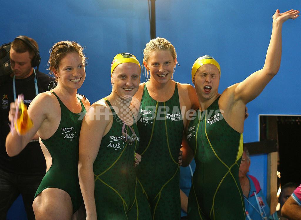 <第12回世界水泳選手権>競泳、オーストラリア 女子4x100メートルメドレーリレー決勝で世界記録を更新し金メダル - オーストラリア