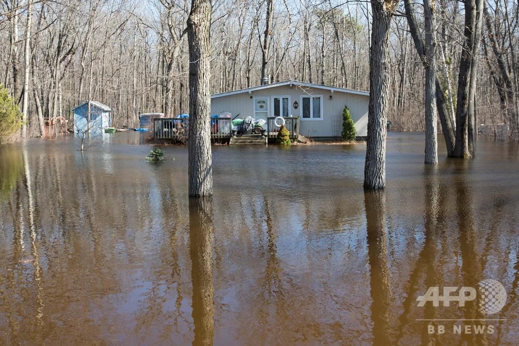 カナダ東部で堤防決壊 住民約5000人に避難命令