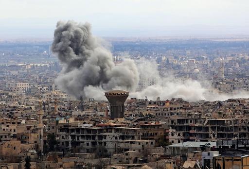 「人道的停戦」発効のシリア東グータで新たな空爆、少年1人死亡