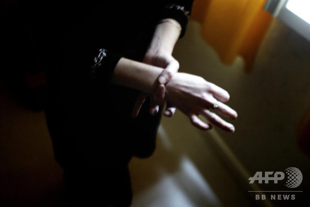 保険金目当てに自らの手首切断、女に禁錮2年 スロベニア