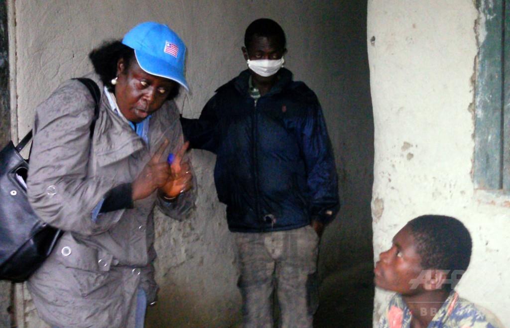 見捨てられた一家の死、恐怖が生む差別 エボラの悲劇 リベリア