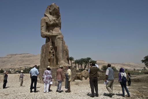 ファラオの巨像2体を新たに公開、エジプト・ルクソール