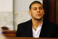 元NFLスター選手、獄中で自殺 殺人で収監のヘルナンデス受刑者