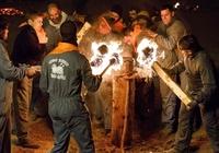 スペインの伝統行事「火の牛」、角にはたいまつ