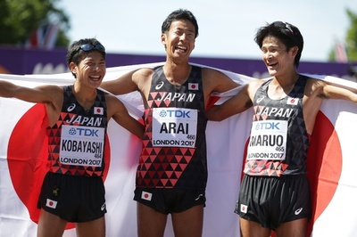 荒井が銀、世陸の50キロ競歩でアジア最高位 小林が銅 丸尾も5位入賞