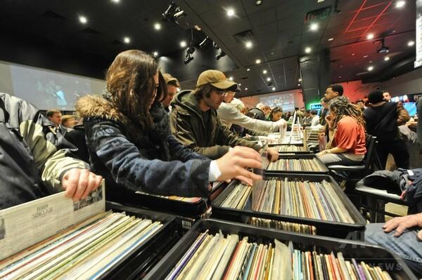 14年米音楽市場、販売枚数減少 アナログとストリーミングは好調