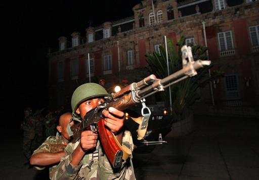 マダガスカル大統領が辞任、軍に政権移譲