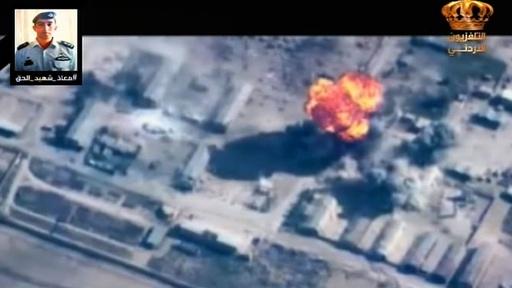 ヨルダン軍がイスラム国を空爆、操縦士殺害受け