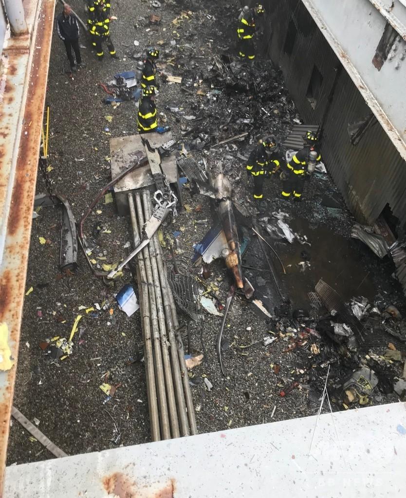 NY高層ビルでヘリ着陸失敗・炎上 1人死亡