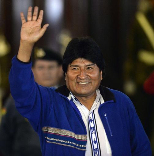 ボリビア大統領選、現職モラレス氏が3選確実