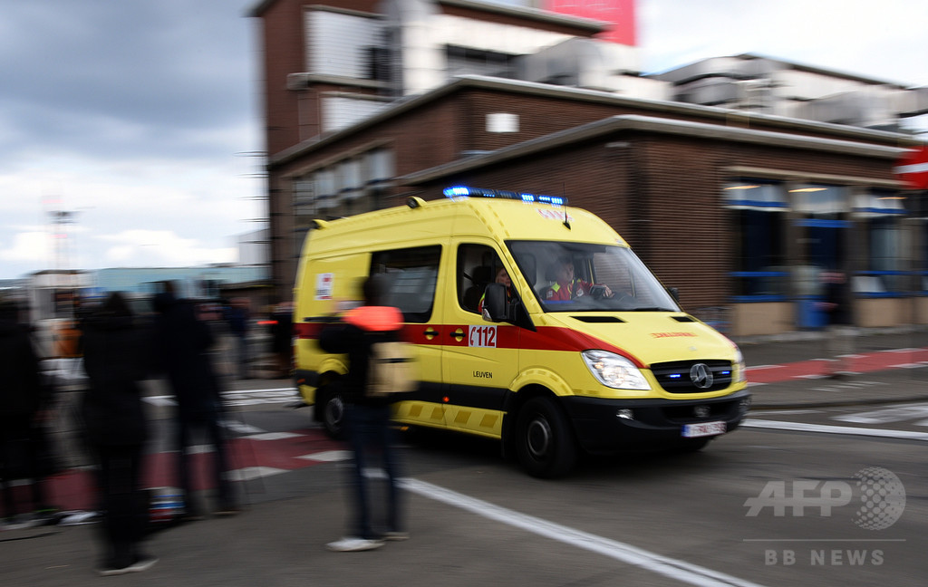 テロ攻撃で「切断された」体を「戦場」医療で治療、ベルギー