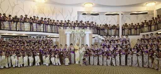 スリランカの結婚式でギネス世界記録、ブライズメイドら190人