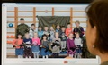 カラシニコフ銃抱えた幼稚園児の集合写真が物議、ロシア