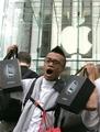 アップルのiPhone、全米で好調な売れ行き