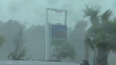 動画:怪物ハリケーン、米フロリダに上陸 1世紀超ぶりの勢力伴い 1人死亡