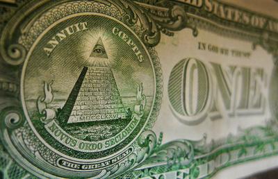 感謝祭に感謝! 掃除中の夫婦が100万ドル超えの宝くじ券発見 米