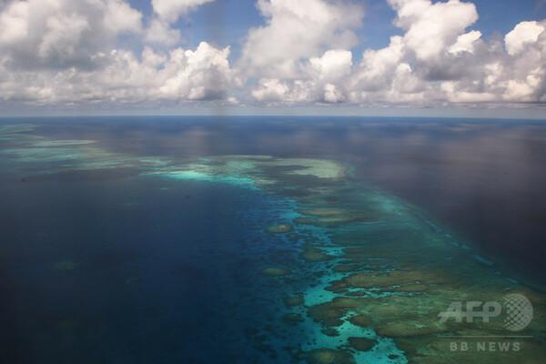 フィリピン、南シナ海での漁民の避難所建設を中止 中国の反発受け