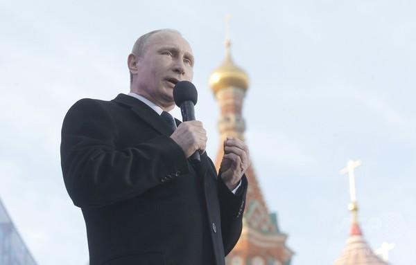 プーチン露大統領、クリミア併合1周年で演説