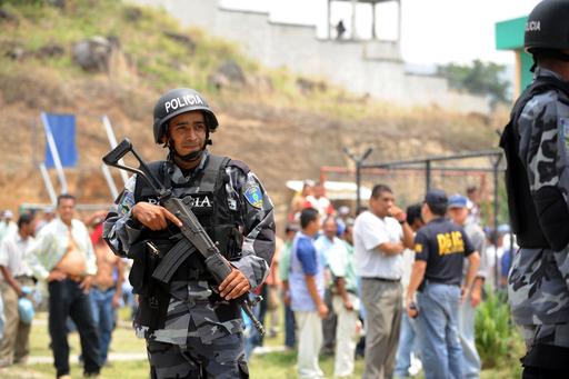 囚人18人が刺されて死亡、ホンジュラスの刑務所内で