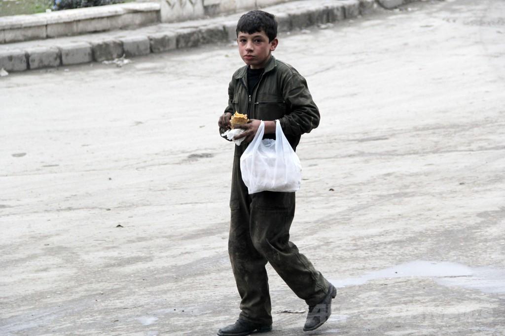 シリア政権、女性・子供のホムス退去認める