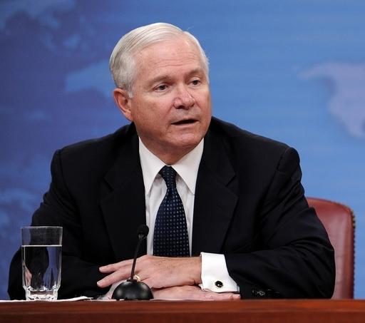 ゲーツ米国防長官、訪日へ 在日米軍再編問題などを協議