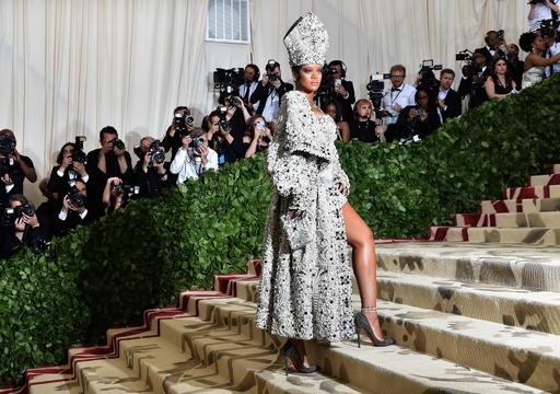 今年のテーマは「カトリック」 メット・ガラに豪華スター