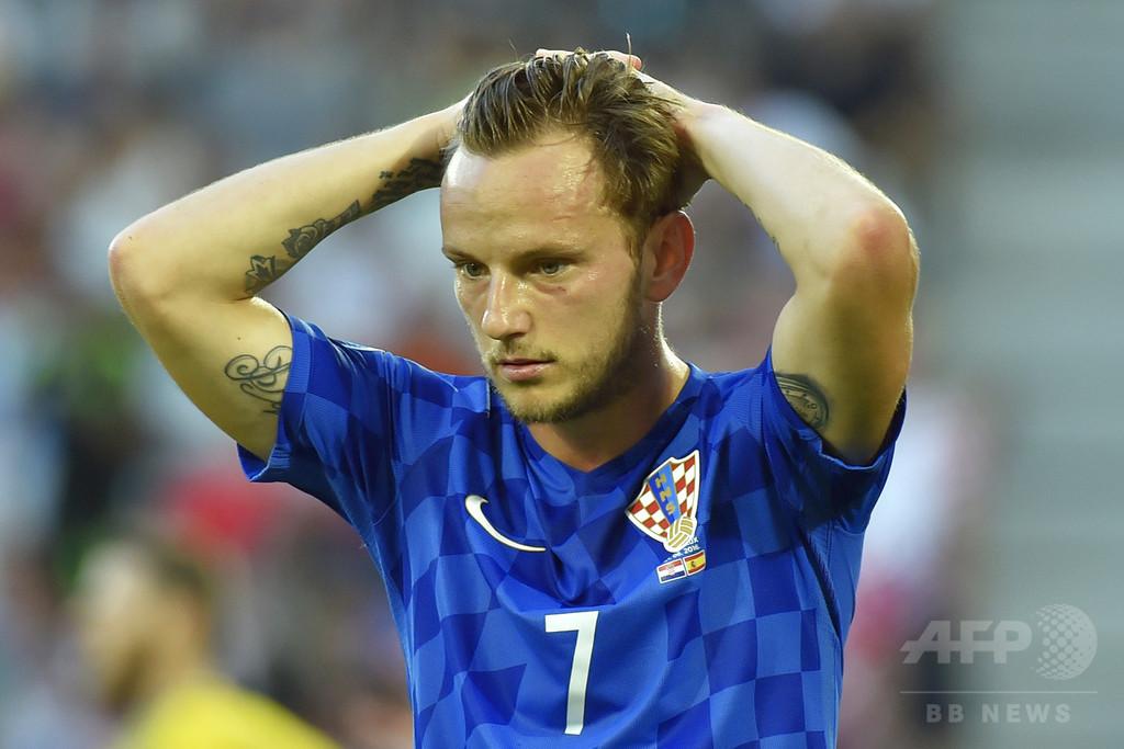 クロアチア代表ラキティッチ、母国で攻撃され休暇を切り上げる