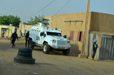 国連PKO部隊の車両が地雷踏む、隊員2人死亡 マリ中部