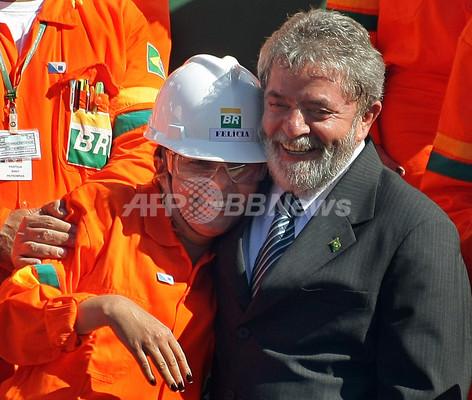 「神はブラジル人だ」、ブラジル大統領が国内巨大油田発見の喜び語る